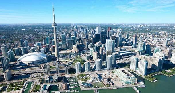Toronto-Real-Estate-Cn-Tower-Air-Canada-Center