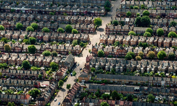 File photo dated 12/07/12 of an aerial view of houses on residential streets in Muswell Hill, north London, as more than 4,000 households across England are at risk of losing their home every week through an eviction or repossession, according to research by Shelter. PRESS ASSOCIATION Photo. Issue date: Wednesday May 21, 2014. The housing charity also revealed the hotspots across the country where people are most likely to face losing their home. Newham in London topped the list, with one in every 34 homes there at risk of a possession claim. Shelter said its research found that London boroughs - where affordable housing is in particularly short supply - dominate the hotspot list, with Barking and Dagenham, Southwark and Hackney also featuring highly. See PA story MONEY Repossession. Photo credit should read: Dominic Lipinski/PA Wire